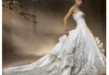 o rochie de mireasa