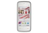 un smartphone 3G Nokia 5230 cu 1000 minute in retea / zi, optiunea Divertisment gratuit timp de o saptamana