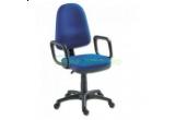 un birou de calculator, un scaun 1080 MEK LX,  un scaun Golf, un scaun Astra