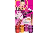un set de produse cosmetice Flormar + o sedinta de machiaj profesionist
