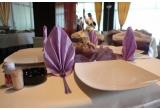 un meniu pentru doua persoane la restaurantul Hotelului Maramures din Baia Mare