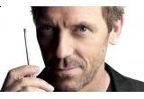 """4 x cartea """"Traficantul de arme"""" de Hugh Laurie"""