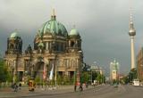 <b>O excursie la Berlin, un laptop, un aparat foto si un album cu Leonardo da Vinci</b><br />