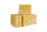 un sapun capsuna proaspata + un sapun vanilie si cocos + un sapun menta + un ruj + un dermatograf