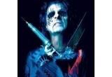 un DVD Alice Cooper, un tricou cu Alice Cooper