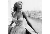 o transformare completa intr-o diva din anii 50-60, la salonul Mon Caprice