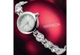 un set de bijuterii (colier + cercei) si un ceas Avon / saptamana