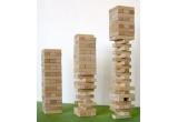 """un joc """"Turnul instabil"""""""