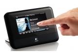 un pachet cu sistem audio Logitech Squeezebox Touch + husa de iPhone4