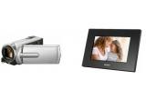 1 x camera video Sony DCR-SX15, 1 x rama foto digitala Sony DPF-A710
