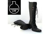o pereche de cizme oferite de Fashionlab.ro