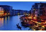 1 x excursie pentru 2 persoane la Venetia, 8 x cina intr-un restaurant asiatic