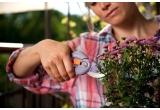 2 x set de gradinarit Garden Inspiration: 1 set Viola + 1 set Lily (fiecare cu cate 4 unelte pentru plantat + 2 unelte de taiat)