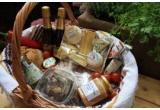 1 x cos complet cu bunatati pentru picnicul perfect