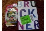 """1 x cartea """"LUNI DE FIERE"""" + o masca de fata MONTAGNE JEUNESEE"""