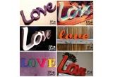 """1 x cuvantul """"Love"""" creat de catre DecoLETTERS din litere decorative din lemn, vopsite in culori vesele"""