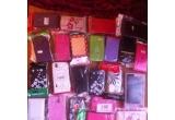 1 x o husa + o folie de protectie pentru telefonul tau, 1 x set de produse cosmetice