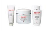 Un set de produse cosmetice Skincode Essentials<br />