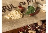 1 x Set 4 borcane + Anason + Coriandru + Cuisoare + Ghimbir + Ulei de susan + Amestec pentru vin fiert + Piper verde in sara si otet, 1 x Mojar + Boabe de mustar galben + Chimion + Coriandru + Chimen + Amestec pentru vin fiert + Amestec de 4 piperuri, 1 x Anason stelat + Sare cu rozmarin si usturoi + Chilli + Turmeric + Negrilica (Kaloonji) + Seminte de marar + Paprika maruntita
