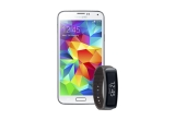 1 x Samsung Galaxy S5, 1 x Samsung Gear Fit