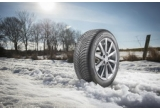 1 x set de 4 anvelope Michelin CrossClimate, 30 x ceas Michelin, 30 x manometru digital