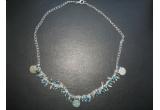 un set de bijuterii (lantisor si cercei BLUE ME)<br />