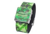 un ceas Nooka Camouflage Green oferit de www.clockwise.ro.