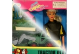 o papusa Lisa sport si o jucarie tractor