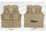 o vesta originala Nikon, o fila in calendarul Nikon 2011