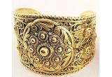 3 x  seturi de bijuterii compuse din cate o bratara si o pereche de cercei
