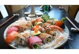 un voucher cu valoare de 100 lei, pentru o masa la Restaurant Zen Sushi