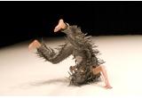 o invitatie dubla la spectacolul Dedublarea de la Sala Ronda a Centrului National al Dansului, din data de 9 martie