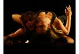 o invitatie dubla la spectacolul OuiBaDa de la Sala Ronda a Centrului National al Dansului, din data de 18 aprilie