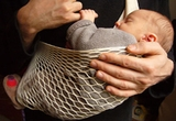 un sling fix Tonga (hamac pentru bebe)
